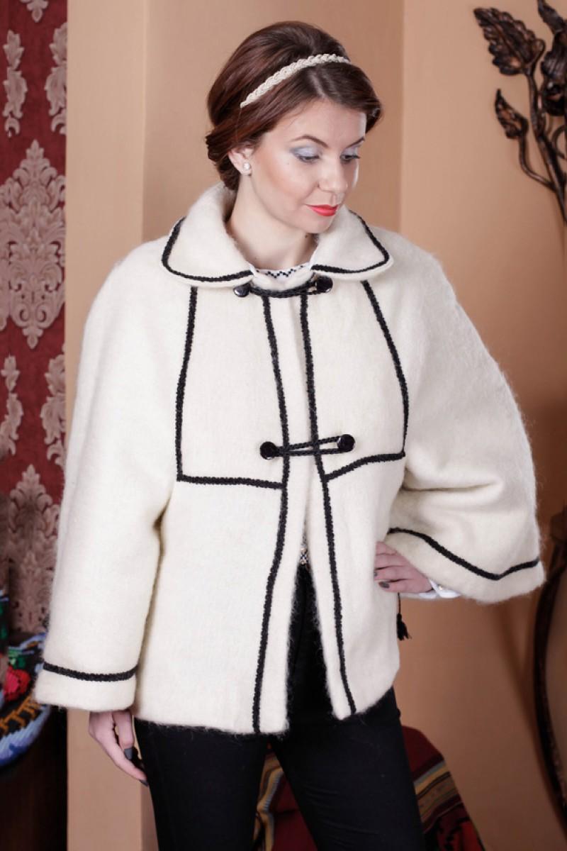 Sacou traditional din lana modelul Pasiune