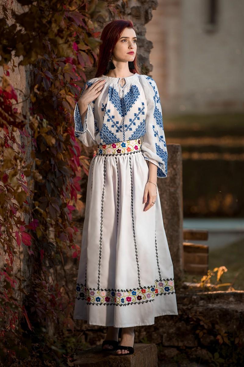 Ie romaneasca maneca lunga Bogatie brodata cu fir albastru bluza traditionala lucrata manual